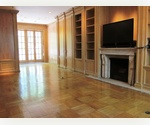 SPACIOUS E 60&#39;S 2 BED, 2 BATH DUPLEX WITH TERRACE AND FIREPLACE! OWN WASHER/DRYER.